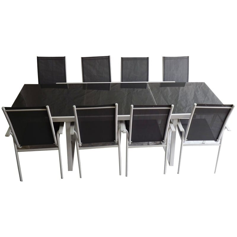 Expandebel Table 8 Chairs